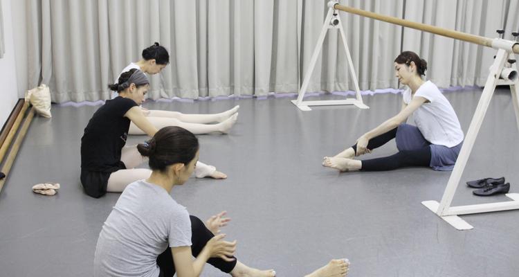 富田美惠子バレエスクール プチ・ポアント 大人のやさしいバレエクラスの写真18