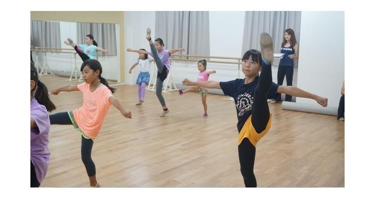 TOMOKO KOJIMA CHEER DANCE ACADEMY 本校の写真12