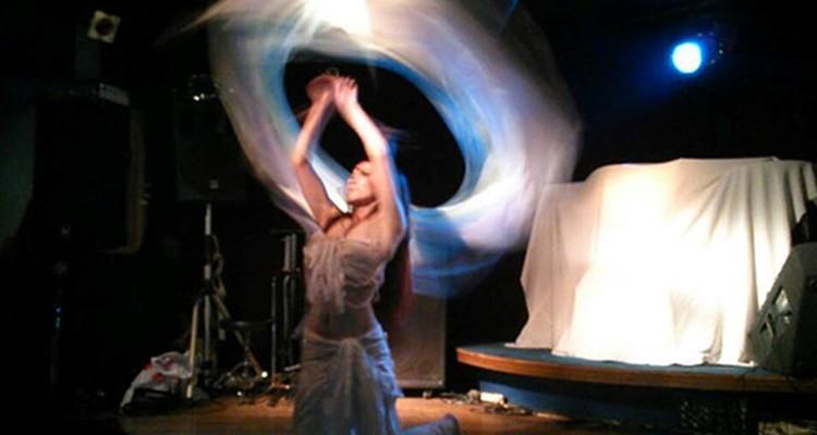 Belly dancer Aiha ばくだん畑クラスの写真5