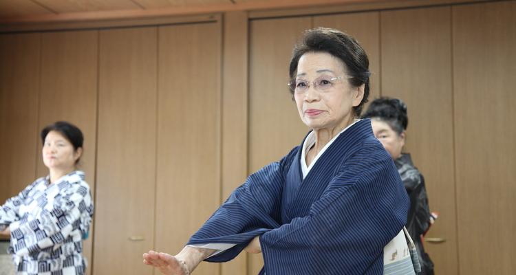 兼坂流城西派美智芳会舞踊教室の写真13
