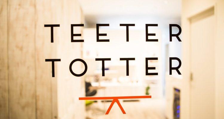 TEETER TOTTERの写真1