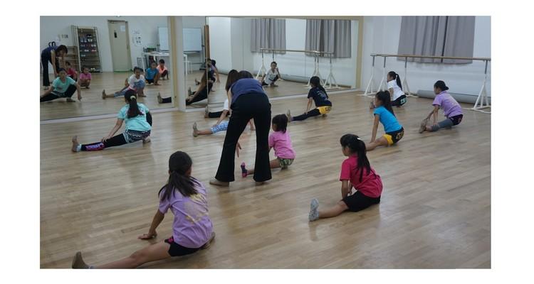 TOMOKO KOJIMA CHEER DANCE ACADEMY 本校の写真13